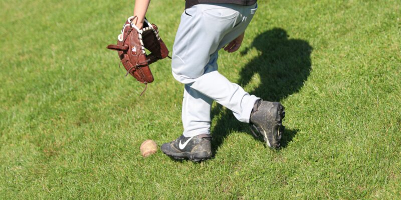 How to choose baseball cleats